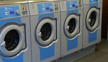 Costi più bassi, guadagni più alti: le lavanderie a gettone scoprono gli impianti a vapore