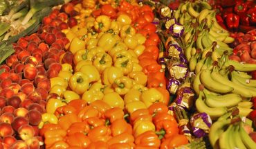 Frutta e verdura per abbronzarsi: meglio mangiare sano