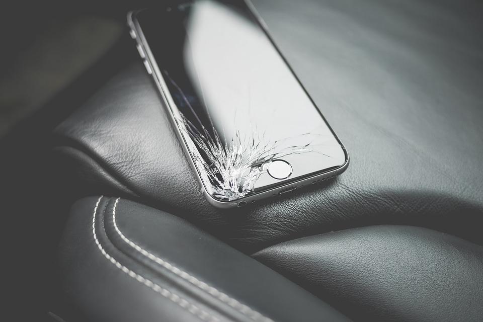 riparazione iPhone conviene