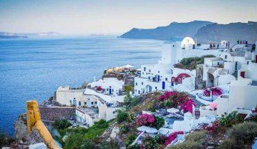Raggiungere le isole greche via mare: vantaggi e svantaggi