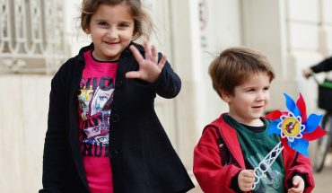 Alimentazione per bambini: bene abituarli ai giusti nutrienti